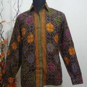 Baju Batik Pria Modern Lengan Panjang