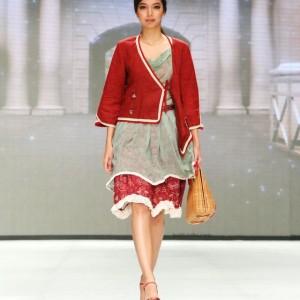 model baju batik wanita lengan panjang merah