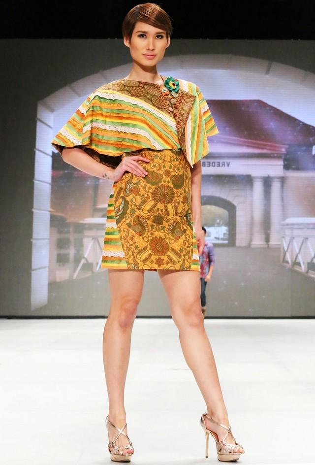 model baju batik wanita untuk kerja kantoran