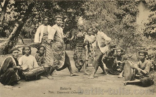 gambar batik betawi klasik