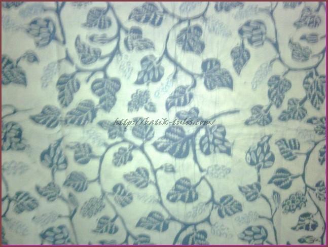 batik indigo motif Lung Godong Anggur Pacitan