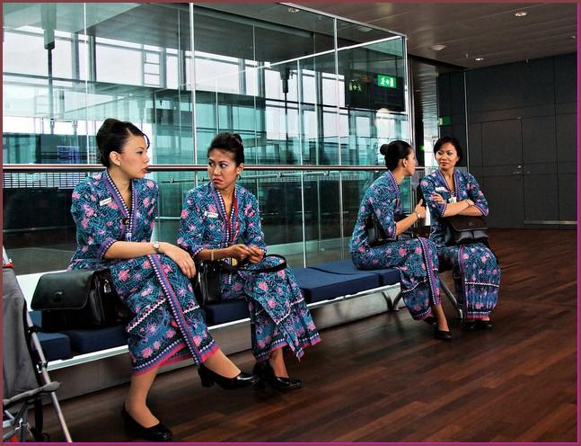 gambar Model Baju Batik Pramugari