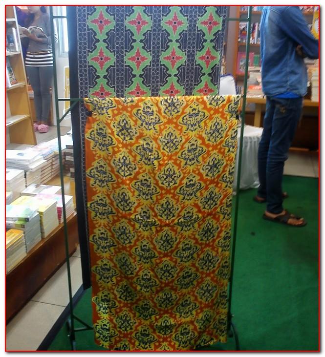 batik tabir