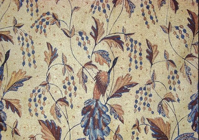 gambar batik indramayu Motif Merak Ngibing