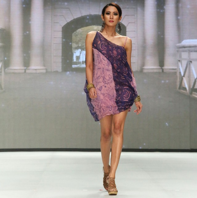 model baju batik untuk wanita