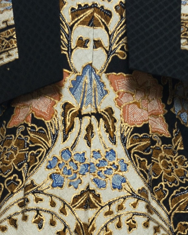 batik dewaraja