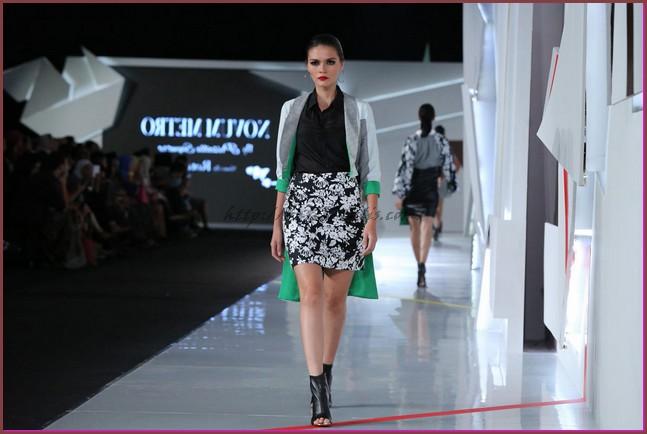 model baju batik wanita kombinasi polos